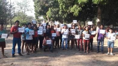 Professores indígenas no seminário de educação escolar do noroeste de Mato Grosso apoiando a campanha da INA!