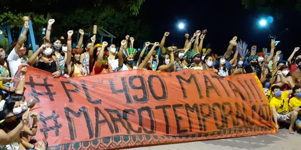 """Indígenas marcham nesta quarta (1º) com retomada do julgamento sobre """"marco temporal"""" pelo STF"""